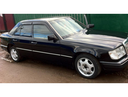 Mercedes Benz E-klasse sedan (W124) 1984-1995 дефлекторы окон