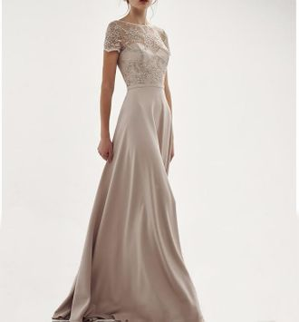 731c93834409e17 Красивое вечернее платье в пол светлых пастельных цветов с вырезом лодочка  и V-декольте на