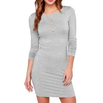 Короткое женское платье с длинным рукавом