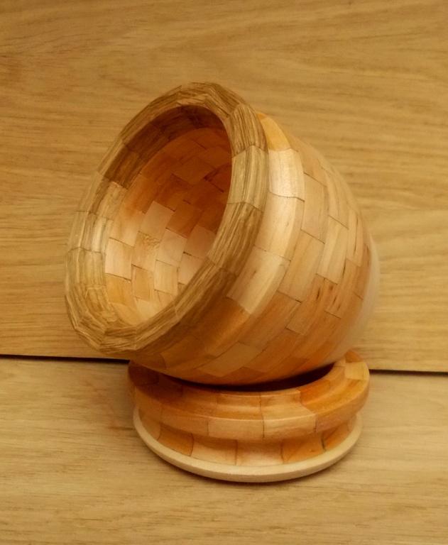 Деревянный бочонок с крышкой