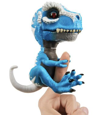 FINGERLINGS Интерактивный динозавр АЙРОНДЖО UNTAMED DINO IRONDJO (сине-белый), 12 см