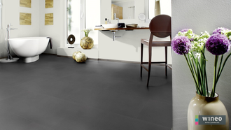 Виниловый пол Wineo 800 Tile L Solid Dark DB00096-3, клеевой, мелкого формата фото в интерьере