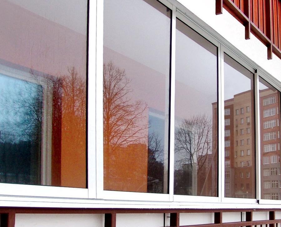 Примеры работ холодного остекления балконов и лоджий в москв.