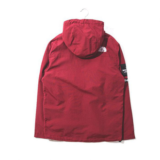 Бордовая куртка Supreme x The North Face