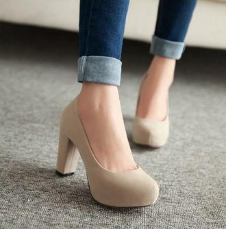 Туфли на квадратном каблуке