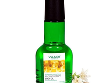 Масло для аромотерапии тела - лемонграсс и лилия (Aromatherapy Body Oil with Lemon Grass & Lily)  Vaadi herbals - 110 мл. (Индия)