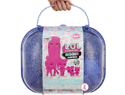 MGA Entertainment L.O.L. OMG Bigger Surprise Winter Disko - ЛОЛ Огромный чемодан c куклой ОМГ и 60 сюрпризами, 553008