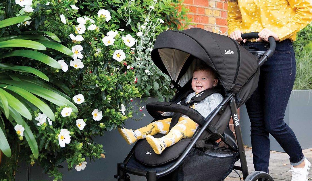 Joie Litetrax 4 – современная легкая четырехколесная коляска для детей от рождения  до 4 лет