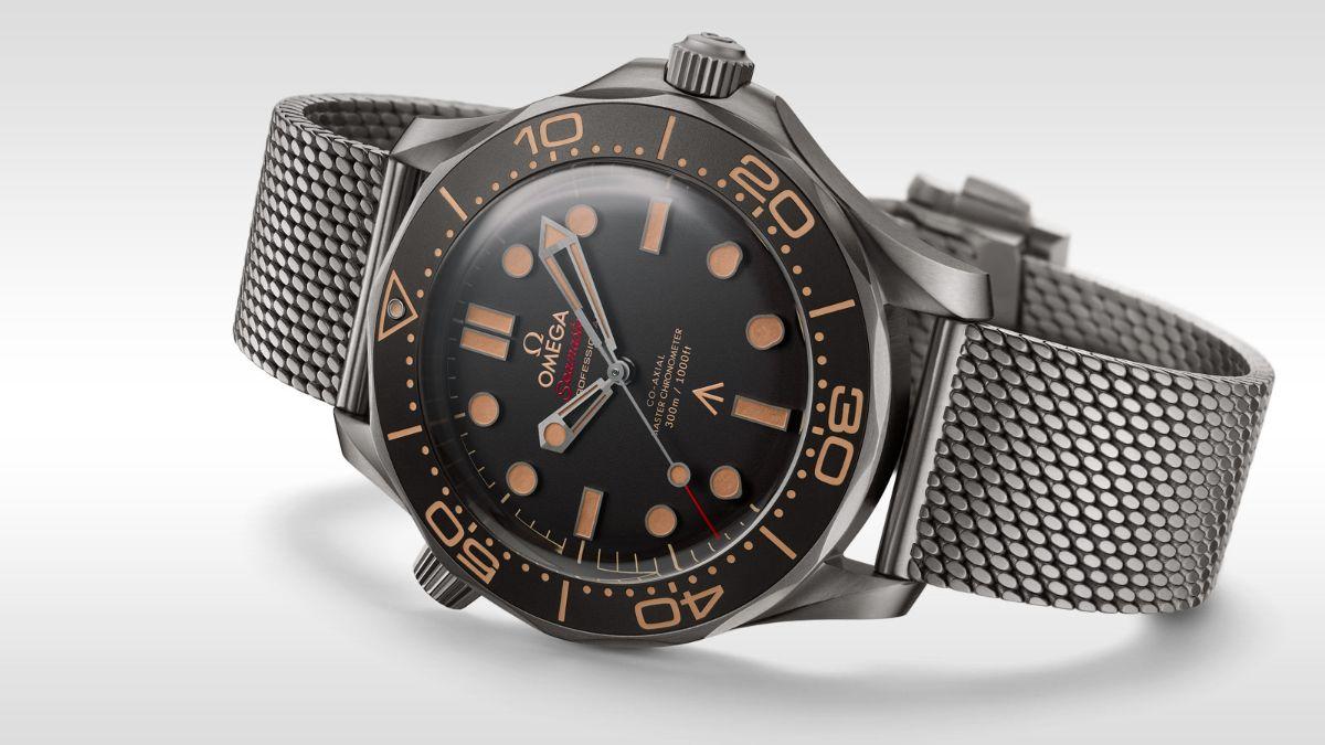 Часы в золотые можно екатеринбурге где продать daytona часы продать rolex