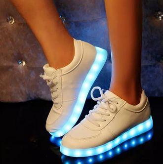 Мужские светящиеся кроссовки