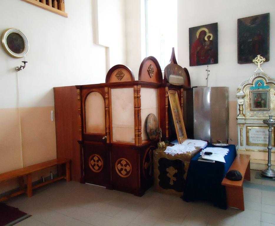 Свечной ящик, иконная лавка в храм