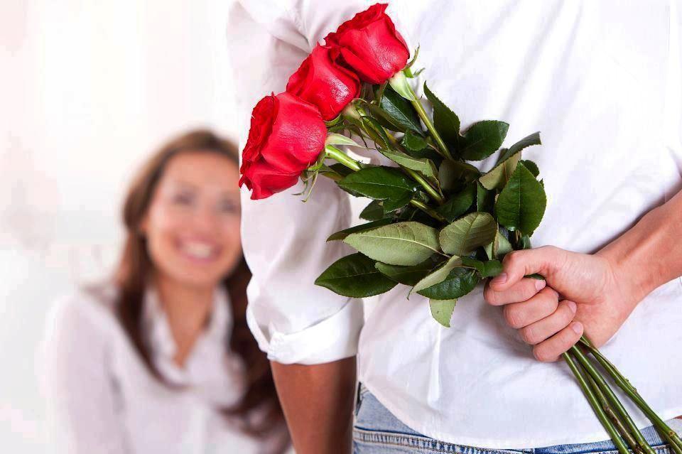 Анонимный подарок девушке