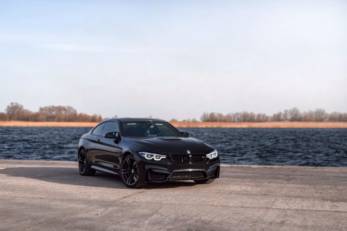 фото BMW M4 Competition Package 2018