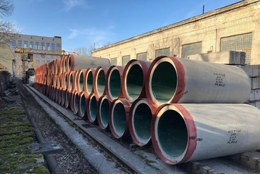 Lined concrete pipes
