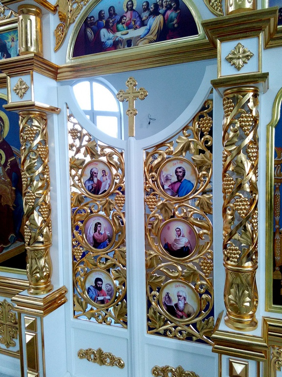 Изготавливаем иконостасы с резными царскими вратами