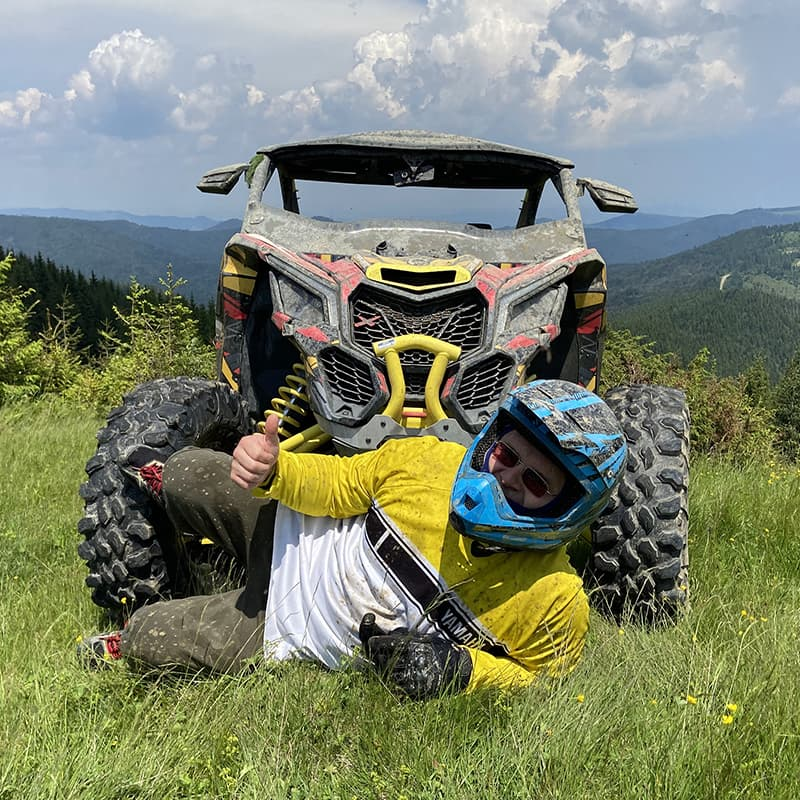 Оренда баггі BRP Can-Am Maverick X3 в Яремче