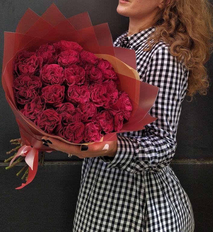 Красные пионовидные розы, розы эквадор, необычные цветы