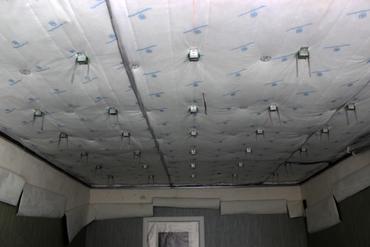 К адгезия плиточного бетону клея