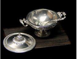 Tureen Louis XV of silver 925