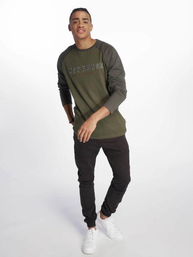 c562ed6fce7de ... Пример посадки на юноше стильной одежды для мужчин и подростков  мальчиков