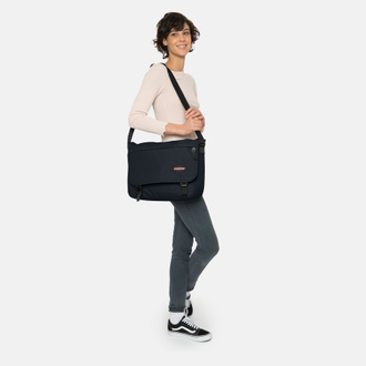 Eastpak Delegate + Cloud Navy на девушке