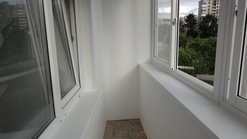 Застекление балконов конструкциями из алюминия в новороссийс.