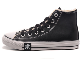 converse all star winter leather black with a skull 01