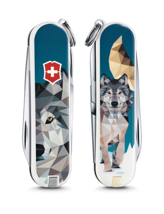 "Нож-брелок VICTORINOX Classic ""Wolf is Coming Home"", 58 мм, 7 функций"