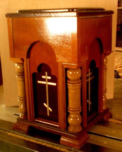 Ящик настольный для сбора средств в храме