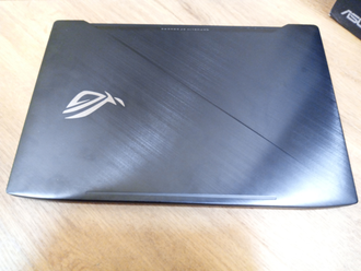ASUS ROG STRIX SCAR EDITION GL503VM-GZ390T ( 15.6 IPS 120Hz I7-7700HQ GTX1060(6Gb) 16Gb 1Tb + 256SSD )