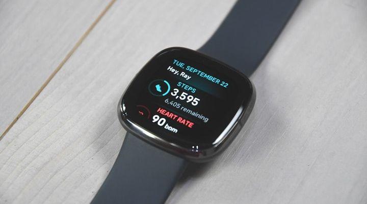 Обзор: Fitbit Sense - подходящее устройство для этих странных времен
