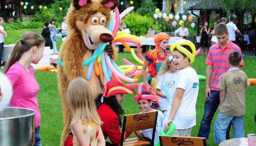 Аниматоры Садовая улица (поселок Киевский) детский праздник зазеркалья