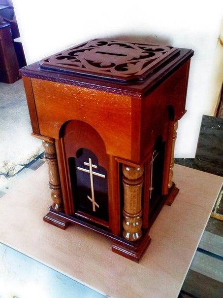 Деревянный ящик для пожертвования