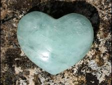 Сердце Берилл (Аквамарин) в ассортименте 30*25*12 мм, 13 г №6252