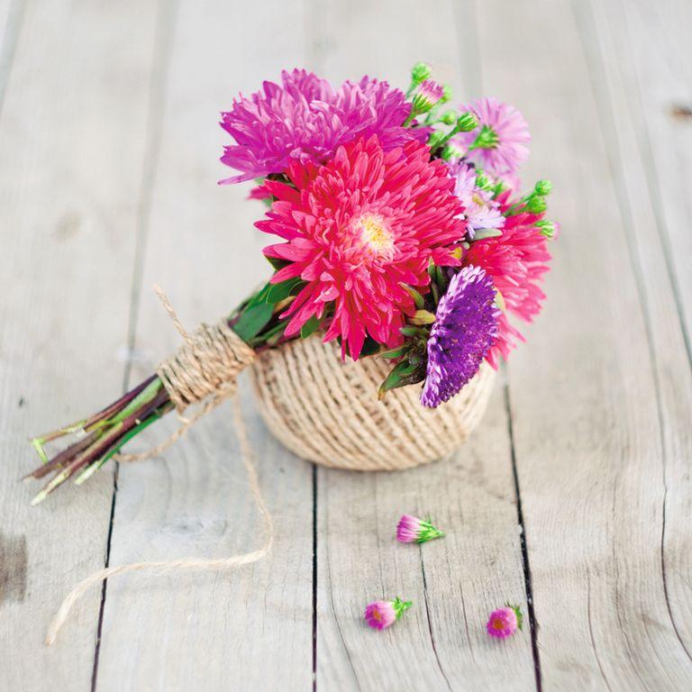 Как сделать букет из роз и астр