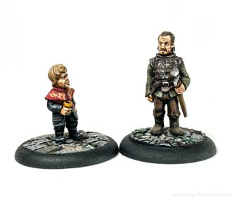 Noble shorty and his bodyguard (PAINTED)