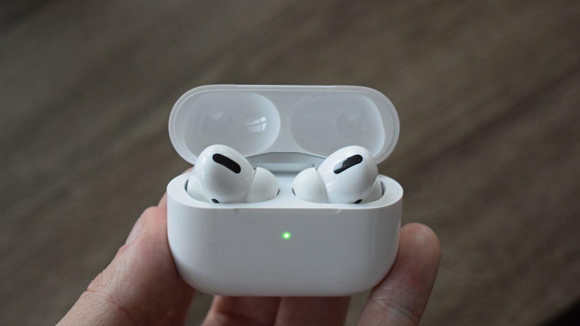 Первый взгляд Apple AirPods Pro. То, что хочется слушать весь день
