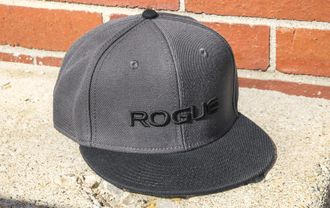ROGUE GRAY FLAT BILL HAT (Кепка Rogue Fitness).
