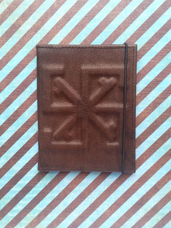 4bb4fa549d9b Обложка для паспорта из натуральной кожи c объемным символом - оберегом.  Поделиться. Наши работы · Кожаные аксессуары ручной работы