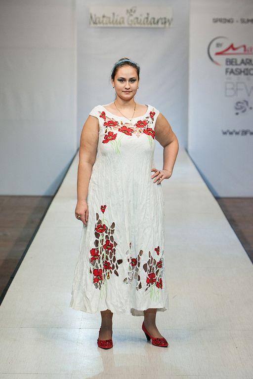 b297ee3c233731c Платье из белого льна с вышивкой Наталья Гайдаржи АРТ - ПВБ1002/НА ЗАКАЗ