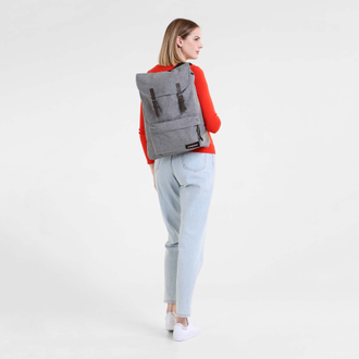 Eastpak London Sunday Grey в центре Санкт-Петербурга