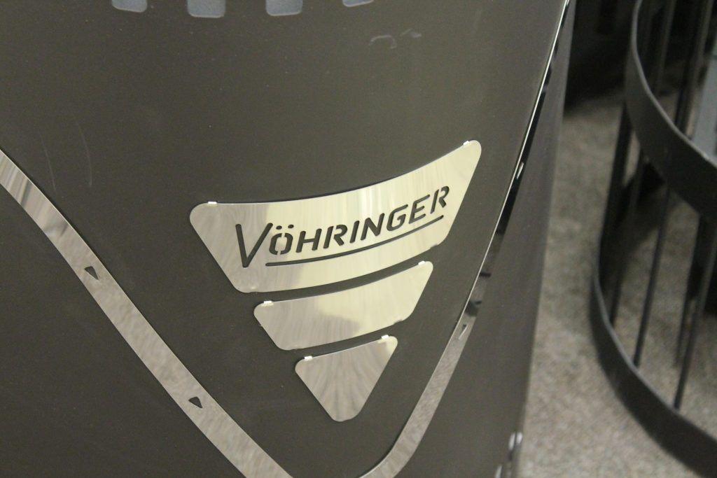 Логотип VOHRINGER на банной печи