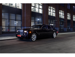 ROLLS-ROYCE Phantom (Черный)