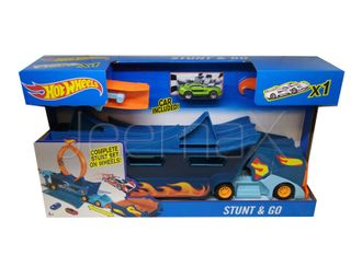 "Автовоз с петлей ""Hot Wheels Stunt n' Go"""