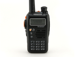 Рация Kenwood TH-K4AT Dual Band VHF+UHF (136-174MHz/400-470MHz), 8W, 3000mAh Li-ion, с гарнитурой