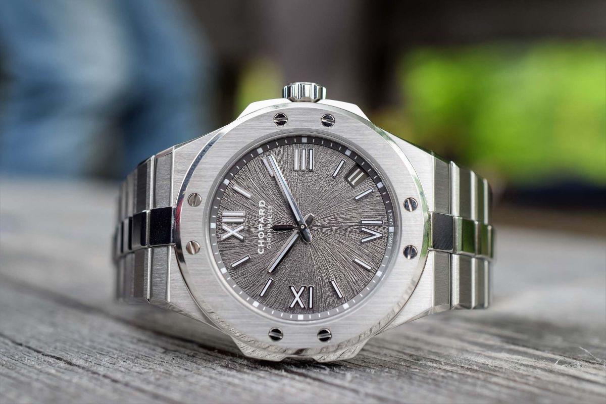 Часы ломбардах екатеринбурга в купить ссср часы продам электроника