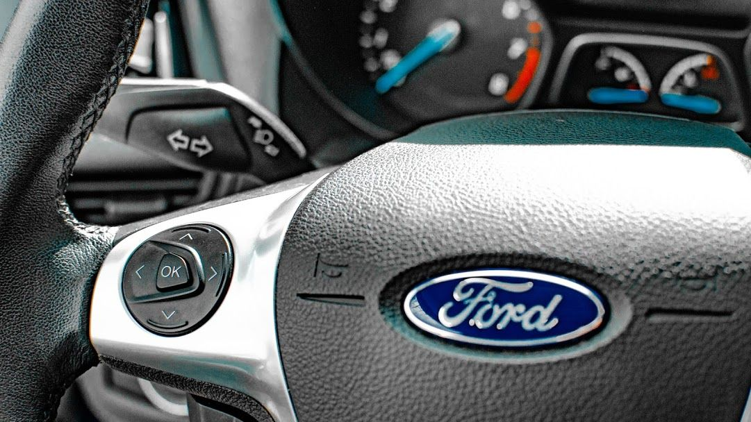 Купить Ford Escape SE