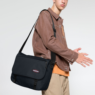 Eastpak Delegate + Cloud Navy одета на плечо