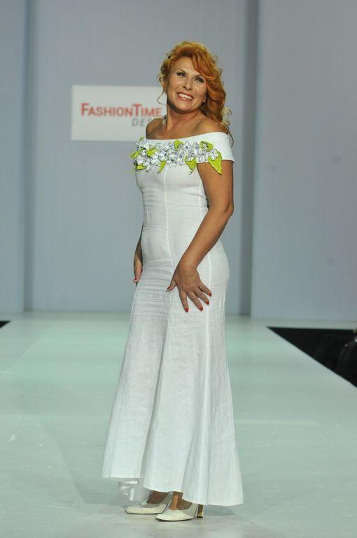 c8441c0be22b776 Платье из белого льна с вышивкой Наталья Гайдаржи АРТ - ПВБ1004/НА ЗАКАЗ