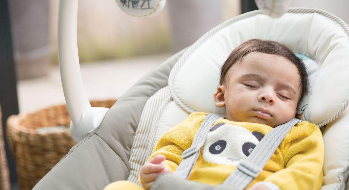 Joie sansa  2 в 1 электронные качели для новорожденных  предназначены для детей до 9 кг.
